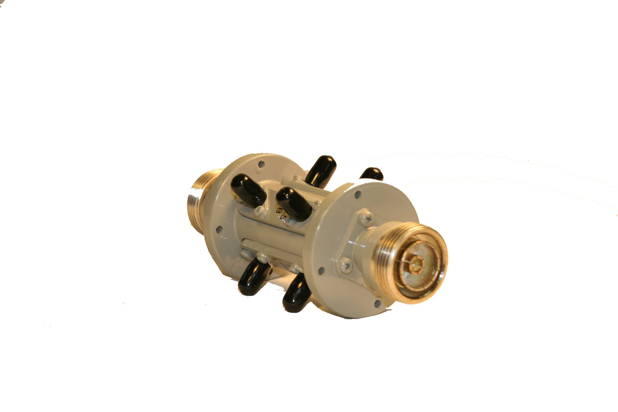 TRIPLE ARM COAXIAL COUPLER